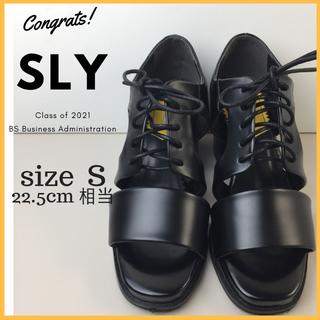 スライ(SLY)の美品 スライ SLY ヒール サンダル レースアップ サイズ S 黒(サンダル)