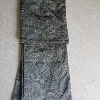 中古品 シルバー色の単衣 小さめサイズ(着物)