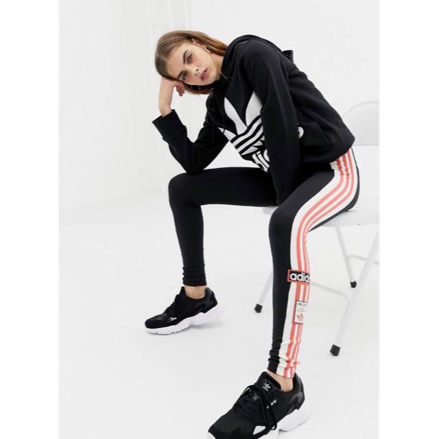 adidas(アディダス)の【 Lサイズ】新品タグ付き アディダス adidas 3ストライプレギンス レディースのレッグウェア(レギンス/スパッツ)の商品写真