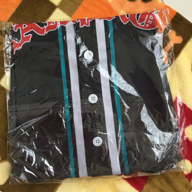 THE RAMPAGE(ザランページ)のRAMPAGE  THROW YA FIST  ベースボールシャツ エンタメ/ホビーのタレントグッズ(ミュージシャン)の商品写真