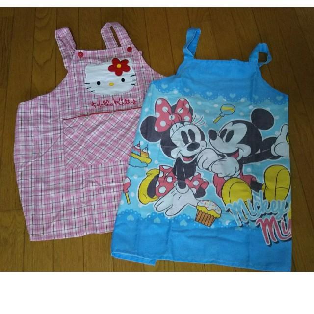 Disney(ディズニー)のエプロンセットで キッズ/ベビー/マタニティの授乳/お食事用品(お食事エプロン)の商品写真