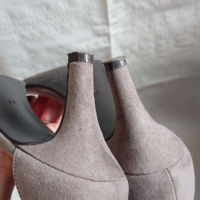 GU(ジーユー)のGU スエードタッチストラップサンダル グレー サンダル  レディースの靴/シューズ(サンダル)の商品写真