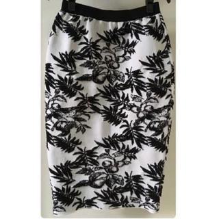 ルシェルブルー(LE CIEL BLEU)のルシェルブルー  ボタニカルスカート(ひざ丈スカート)
