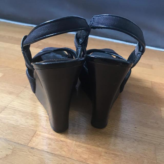 ASH(アッシュ)のASH ウェッジソールサンダル 黒 ブラック サイズ37 レディースの靴/シューズ(サンダル)の商品写真
