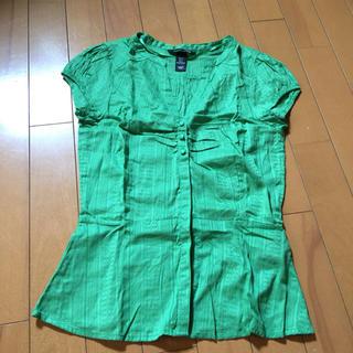 エイチアンドエム(H&M)のH &M トップス グリーン(シャツ/ブラウス(半袖/袖なし))