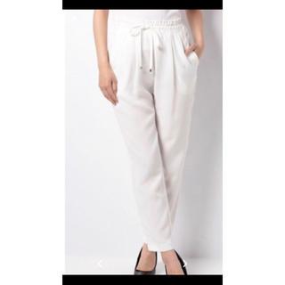アウィーエフ(AuieF)のグレディブリリアン・AuieFの白リネンパンツ(フリーサイズ)ズボン(カジュアルパンツ)