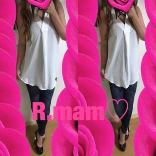 エイチアンドエム(H&M)の新品♡H&M♡Vネック♡ノースリーブシャツ♡(シャツ/ブラウス(半袖/袖なし))
