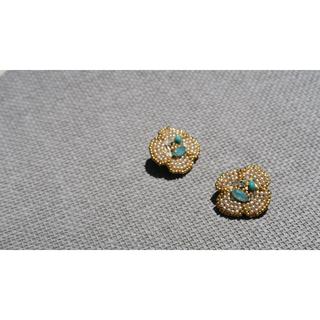グレースコンチネンタル(GRACE CONTINENTAL)のビーズ刺繍イヤリング(イヤリング)