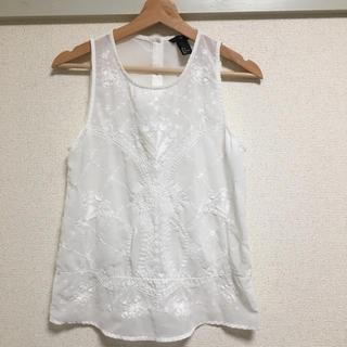 エイチアンドエム(H&M)のH&Mの刺繍ノースリーブ (シャツ/ブラウス(半袖/袖なし))