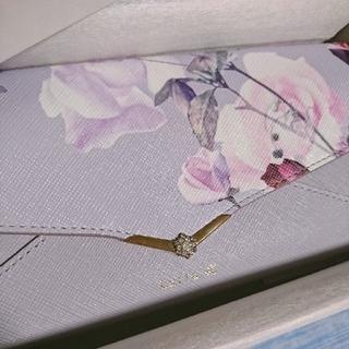 ヨンドシー(4℃)の新品未使用 Luria4℃ レター型 花柄 かぶせ 長財布 (財布)