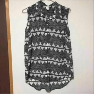 エイチアンドエム(H&M)のノースリーブ(シャツ/ブラウス(半袖/袖なし))