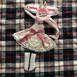 オビツ11 サイズ お嬢様ワンピセット(人形)