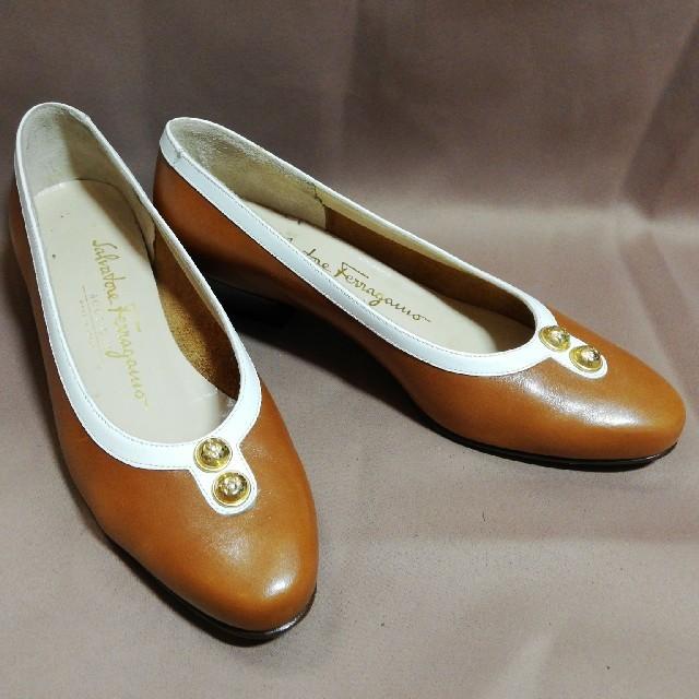 Salvatore Ferragamo(サルヴァトーレフェラガモ)のサルヴァトーレフェラガモ4 21.0cm 型押しレザーパンプスブラウン レディースの靴/シューズ(ハイヒール/パンプス)の商品写真