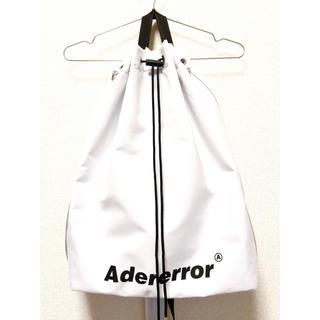 メゾンキツネ(MAISON KITSUNE')のアーダーエラー 19SS Arrow cross bag ナップサック(ボディーバッグ)