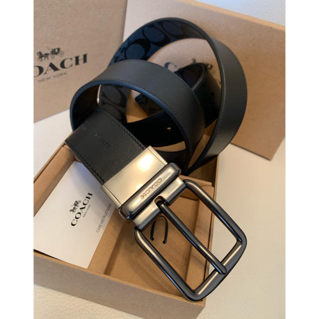 COACH(コーチ)のCOACH コーチ リバーシブル シグネチャーワイドハーネスベルトサイズ調整可能 メンズのファッション小物(ベルト)の商品写真