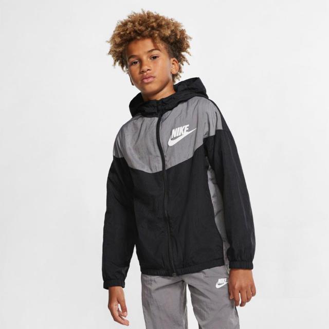 NIKE(ナイキ)のナイキ ジュニア ジャケット サイズL キッズ/ベビー/マタニティのキッズ服 男の子用(90cm~)(ジャケット/上着)の商品写真