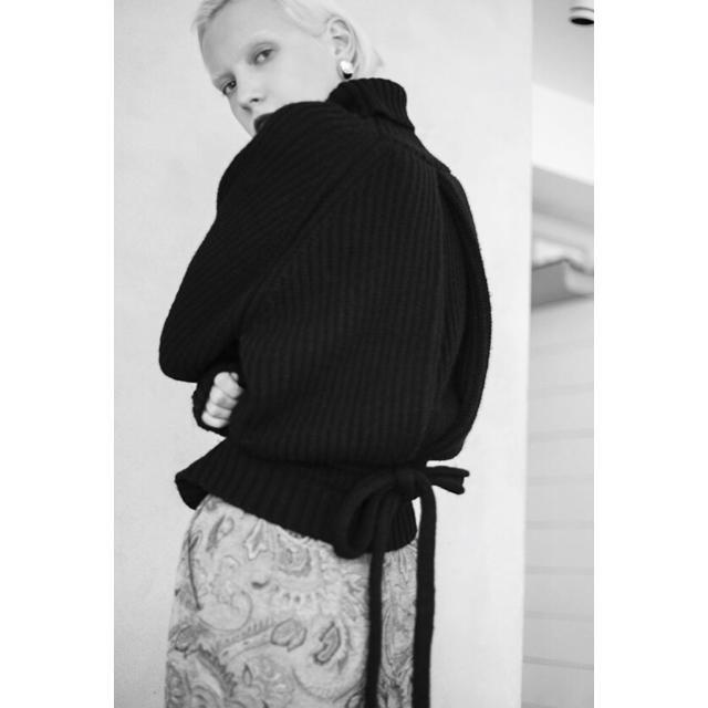 Ameri VINTAGE(アメリヴィンテージ)のAmeriVintage❥❥ BACK TUCK KNIT レディースのトップス(ニット/セーター)の商品写真