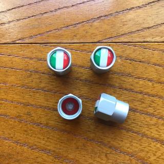 《新品》 エアバルブキャップ 4個セット トリコローレ イタリア 国旗