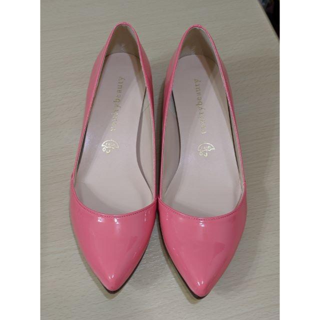 vanitybeauty(バニティービューティー)のバニティビュティー ピンクエナメル レインパンプス レディースの靴/シューズ(ハイヒール/パンプス)の商品写真