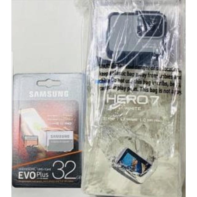 GoPro(ゴープロ)の新品未開封 gopro hero7 white CHDHB601FW SDカード スマホ/家電/カメラのカメラ(ビデオカメラ)の商品写真