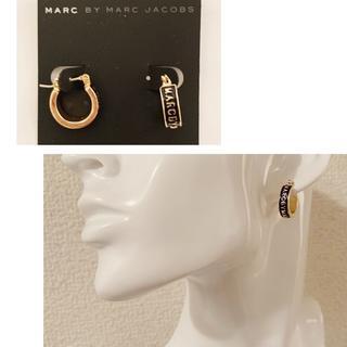 マークバイマークジェイコブス(MARC BY MARC JACOBS)のマークピアス リンク型ブラック*ゴールド(ピアス)