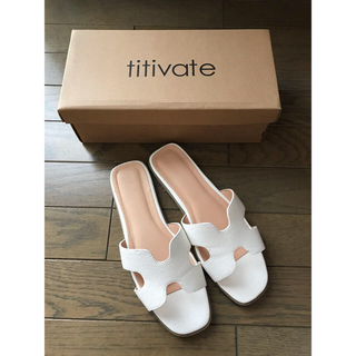 titivate フラットサンダル L