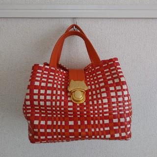 ツモリチサト(TSUMORI CHISATO)のTSUMORI CHISATOキャリー バッグ(ハンドバッグ)
