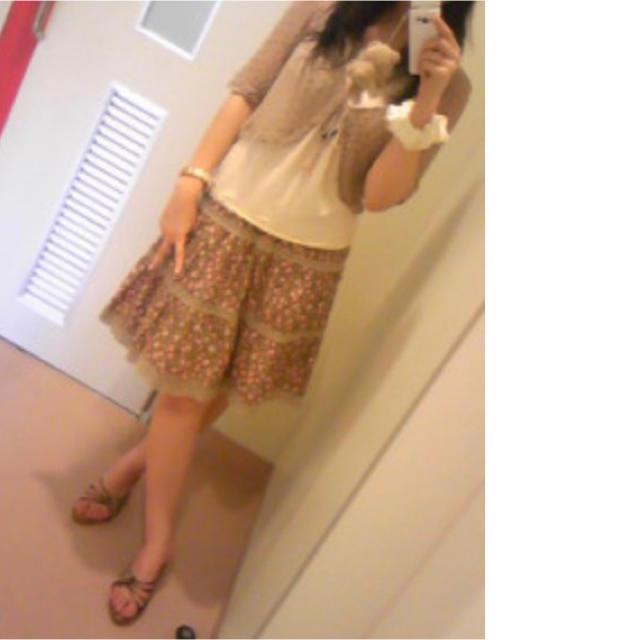 LIZ LISA(リズリサ)の【着画あり】リズリサ♡ナチュラル系花柄スカート レディースのスカート(ひざ丈スカート)の商品写真