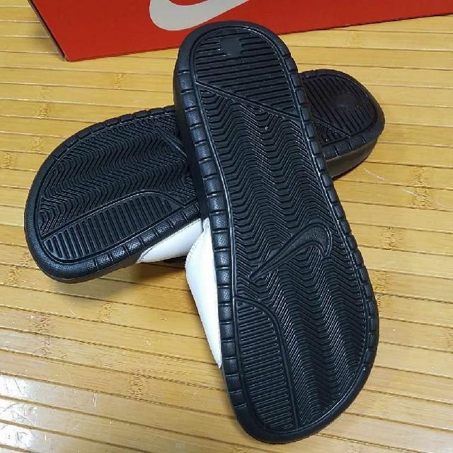 NIKE(ナイキ)の新品 NIKE ナイキ ベナッシ  BENASSI JDI CHENILLE レディースの靴/シューズ(サンダル)の商品写真