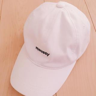 マウジー(moussy)のmoussy マウジーロゴキャップ 帽子 白(キャップ)