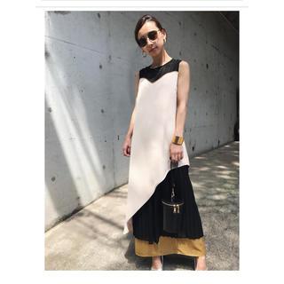 アメリヴィンテージ(Ameri VINTAGE)のAMERI SHEER DOCKING PLEATS DRESS(ロングワンピース/マキシワンピース)