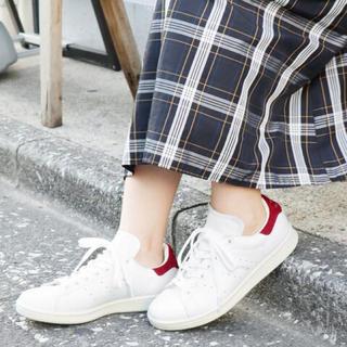 イエナスローブ(IENA SLOBE)の完売● SLOBE IENA adidas STAN SMITH(スエード)◆(スニーカー)