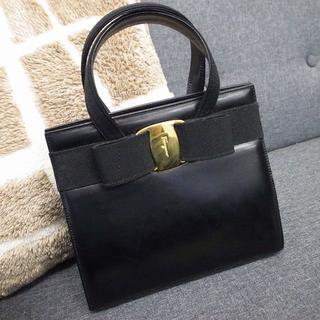 Salvatore Ferragamo - 正規品☆フェラガモ ハンドバッグ ヴァラ リボン 黒 レザー バッグ 財布