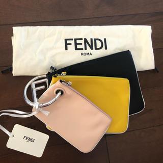 フェンディ(FENDI)のFENDI トリプレット(クラッチバッグ)
