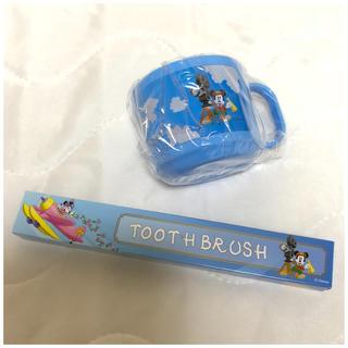 Disney - ディズニー アンバサダー ホテル アメニティ マグカップ&歯ブラシ 2点セット