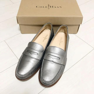 コールハーン(Cole Haan)の新品同様!コールハーン 25.5 本革 シルバー 革靴 ローファー(ローファー/革靴)