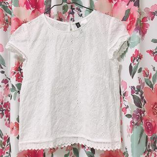 エイチアンドエム(H&M)の刺繍 レース 白色 ブラウス  (シャツ/ブラウス(半袖/袖なし))