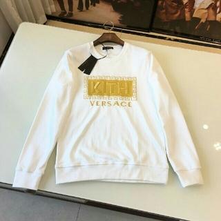 ヴェルサーチ(VERSACE)の2019 KITH*VERSACE 白い パーカー  新品 CLG (パーカー)