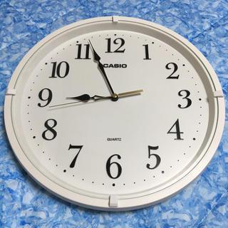 カシオ(CASIO)の新品 カシオ CACIO クォーツ 壁掛け時計 ホワイト IQ-88(掛時計/柱時計)