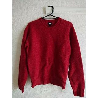 ユニクロ(UNIQLO)のユニクロ メンズ ボイルドウールクルーネックセーター レッド Sサイズ(ニット/セーター)