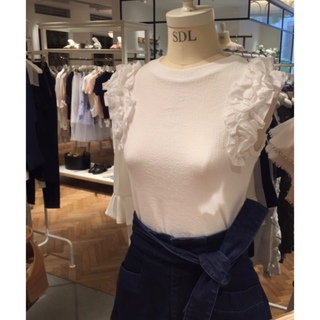 スナイデル(snidel)のsnidel☆フリルカットプルオーバー(カットソー(半袖/袖なし))
