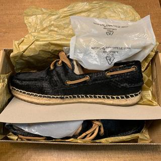 アグ(UGG)のUGG w coris calf hair scales black 23cm(ローファー/革靴)