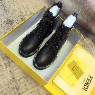 FENDI - 日本未入荷 STIVALETTI ブラック レザー ブーツ