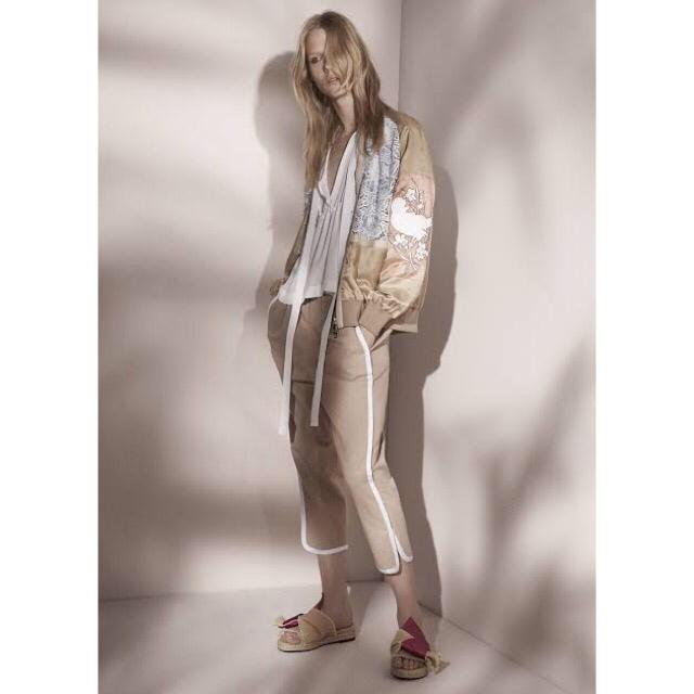 N°21(ヌメロヴェントゥーノ)のヌメロヴェントゥーノ n21 刺繍ブルゾン レディースのジャケット/アウター(ブルゾン)の商品写真