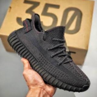 アディダス(adidas)のYEEZY BOOST 350 V2 TRIPLE BLACK (スニーカー)
