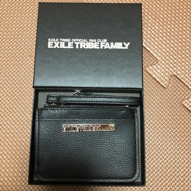 EXILE TRIBE(エグザイル トライブ)のEXILETRIBE パスケース ポーチ レディースのファッション小物(名刺入れ/定期入れ)の商品写真