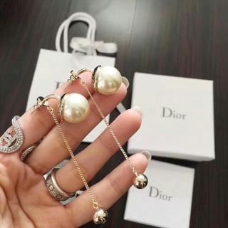 Dior - 送料込み Dior ピアス