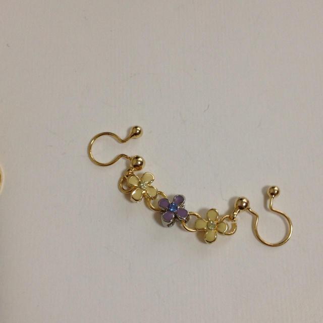 お花畑のイヤリング(YP) レディースのアクセサリー(イヤリング)の商品写真
