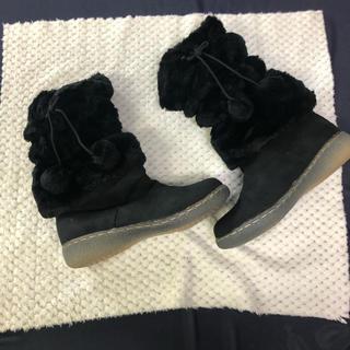 【新品】ぽんぽん付 ファームートン ブラック 25.5cm(ブーツ)