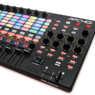 APC40mk2(MIDIコントローラー)
